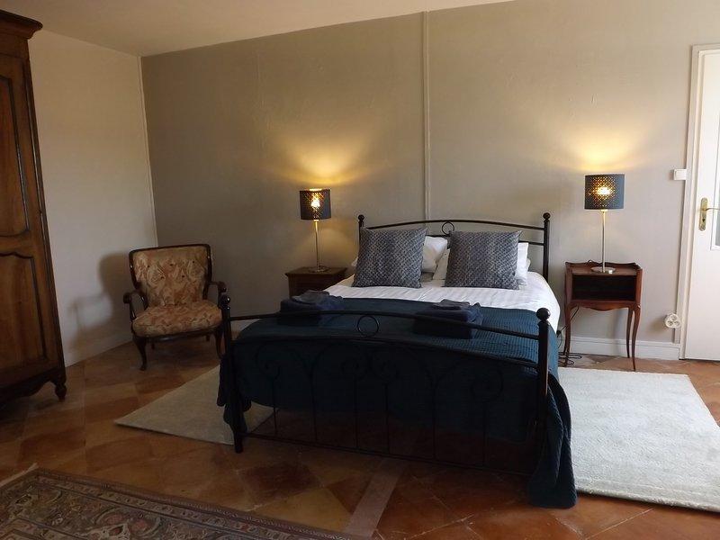 Chambre d'hôte à la Petite Auberge de Comps, holiday rental in Berson