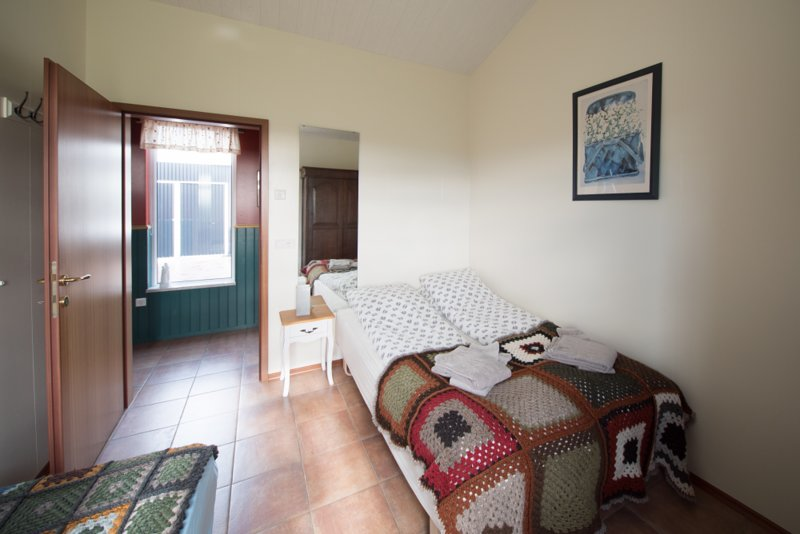 Enjoy a Night at One of Our Triple Room at Midas Homestay, vacation rental in Kalfholt