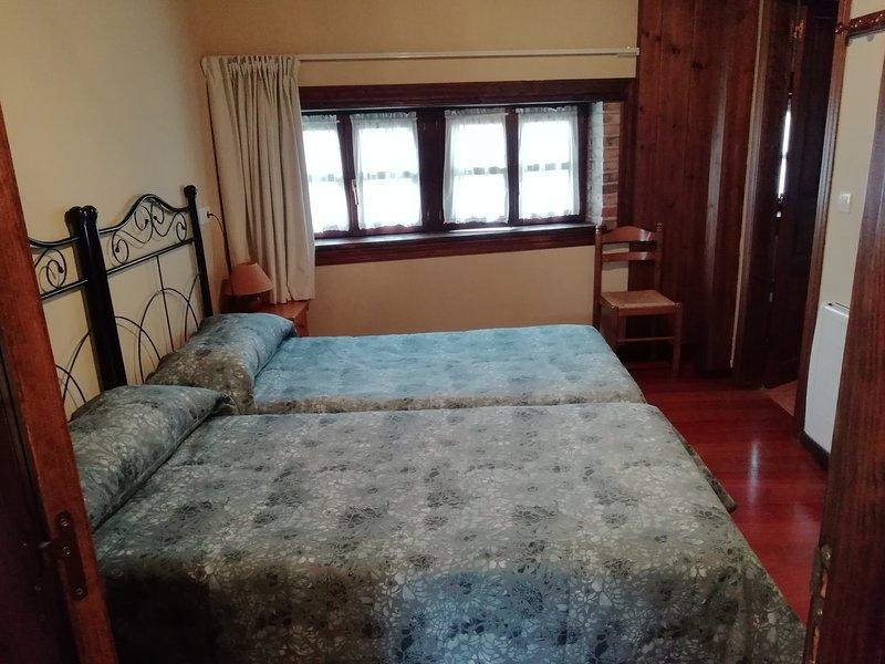 apartamento 6 plazas Poo, vacation rental in Puertas De Vidiago