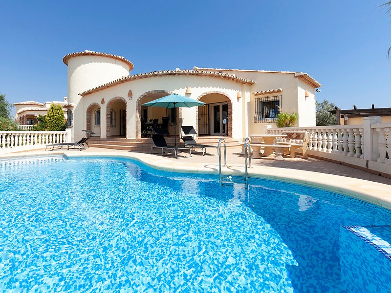 Capi, holiday rental in Adsubia