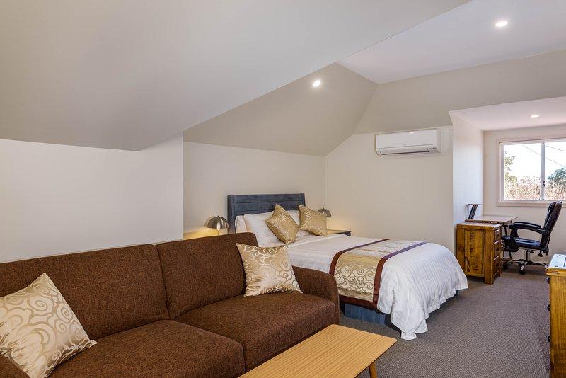 Marulan Stayz - Executive Loft 6, aluguéis de temporada em Goulburn