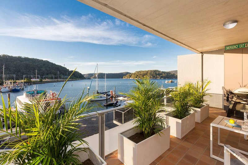 Hawkesbury River 3 Bedroom Waterfront Penthouse, casa vacanza a Hornsby