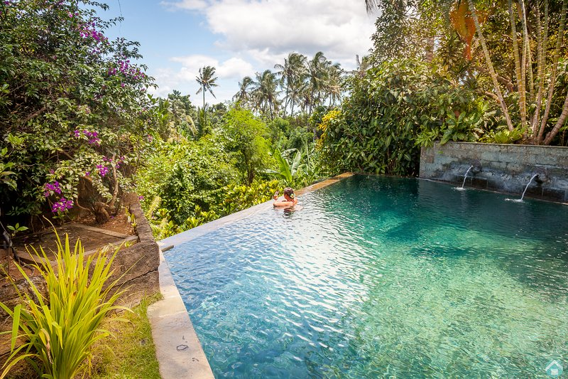 Hidden retreat in tropical paradise!, holiday rental in Pupuan