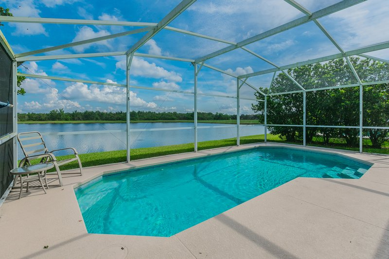 Beautiful Lake View Home Pet Friendly, 2680, location de vacances à Saint Cloud