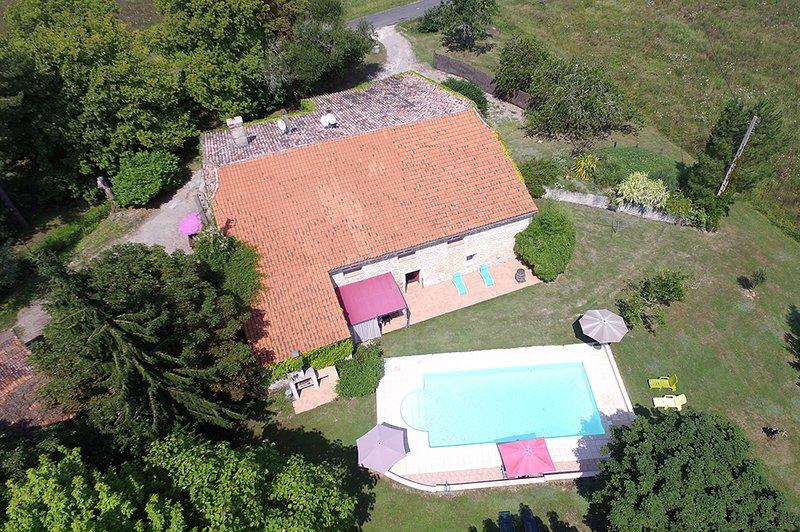 Bobie farmhouse and grounds