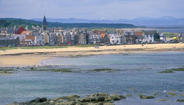 North Berwick is a beautiful town on the East coast of Scotland boasting beautiful beaches