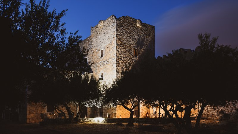 Mani Castle Experience, holiday rental in Vathia