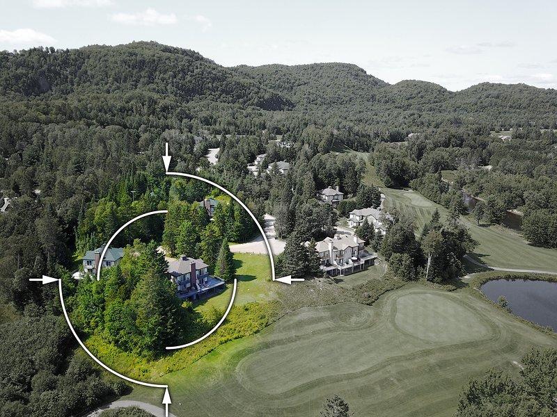 Vista aérea de la parte trasera de nuestra casa adosada (a la IZQUIERDA)