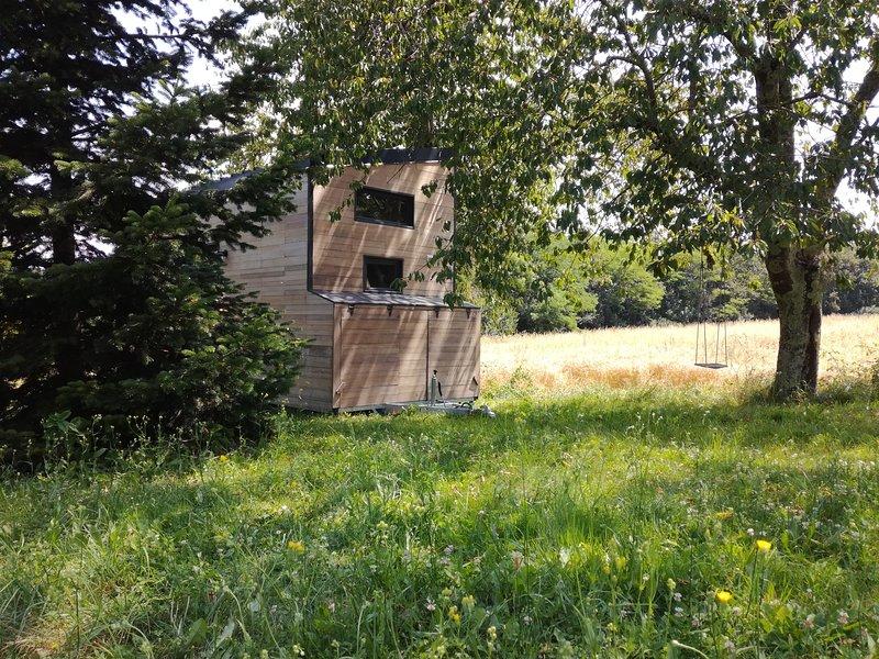 Tiny House Lumen : petit cocon dans un verger., vacation rental in Saint-Quentin-De-Caplong
