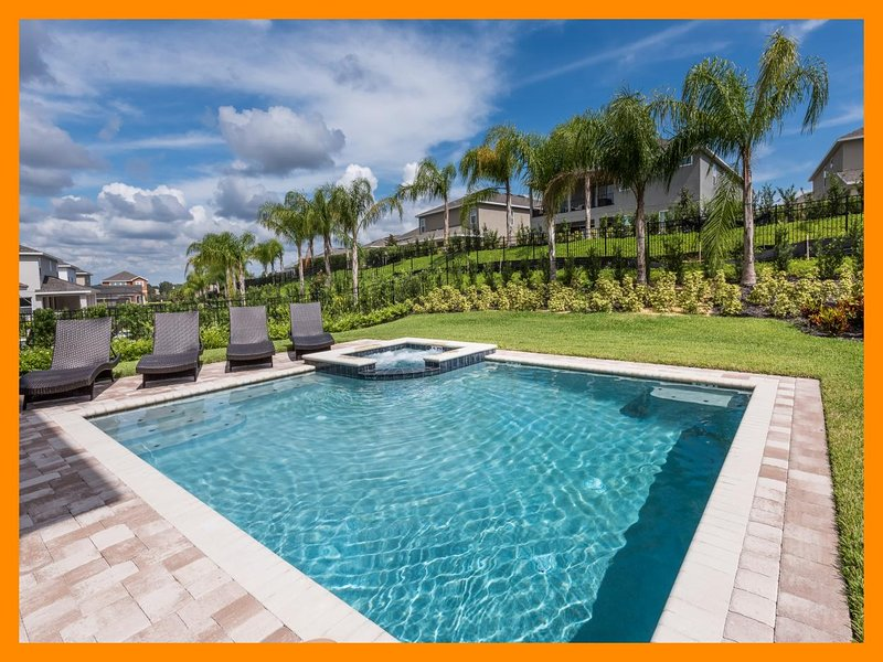 Encore Resort 667 - villa with pool, free shuttle to parks and waterpark access, vacation rental in Poinciana