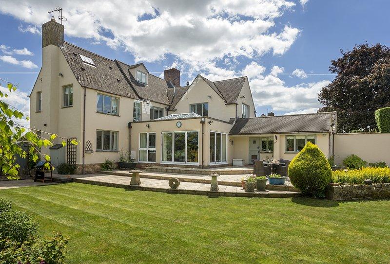 Huntsbury Cottage, casa vacanza a Bledington