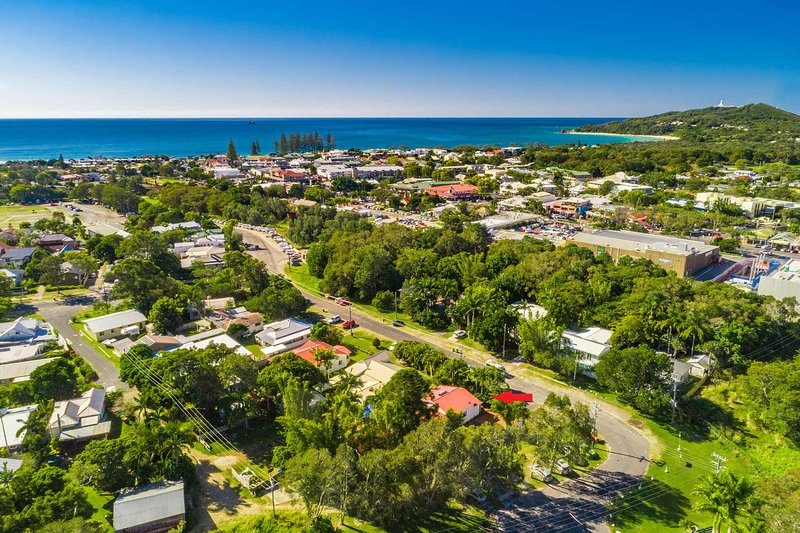 Bamboo Beach House - in the heart of Byron, alquiler de vacaciones en Skinners Shoot