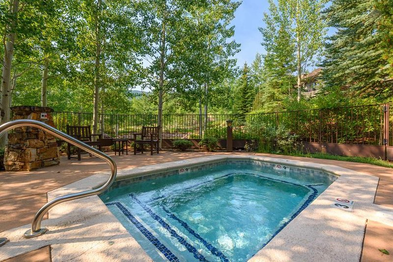 After a full day on the celebrated slopes of Beaver Creek, relax in the large community hot tub.