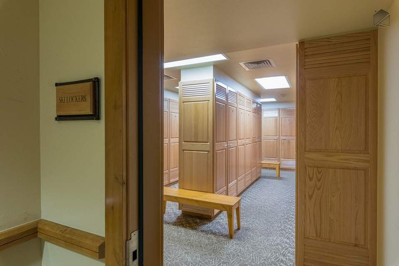 Conveniently and safely store your skis in the main lodge's ski locker.