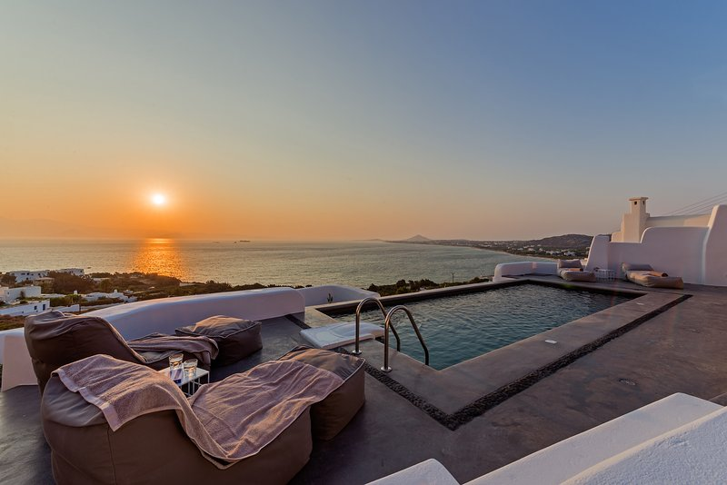 Venti Villa Naxos | Luxury Sea View Villa in Naxos, aluguéis de temporada em Naxos