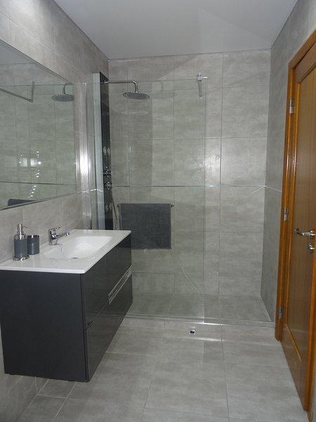 Affordable luxury apartment with pool Cascais, aluguéis de temporada em Estoril