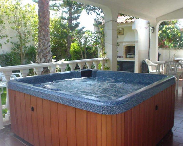 Villa Cabanas, Private Jacuzzi, Close To Beach Cabanas De Tavira., holiday rental in Tavira