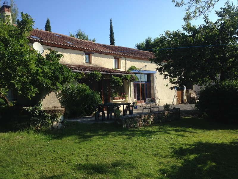 Chambres D'hotes des Forets, vacation rental in Busserolles