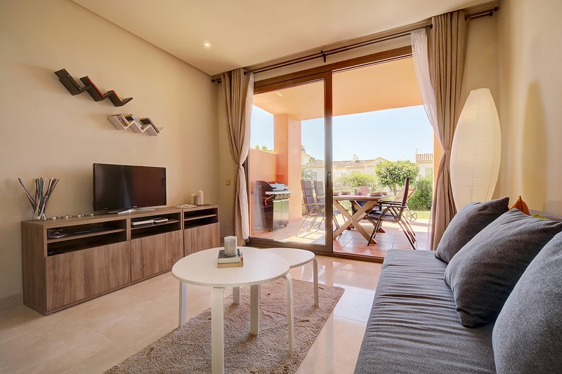 Garden Apartment near the Beach, vacation rental in Cancelada