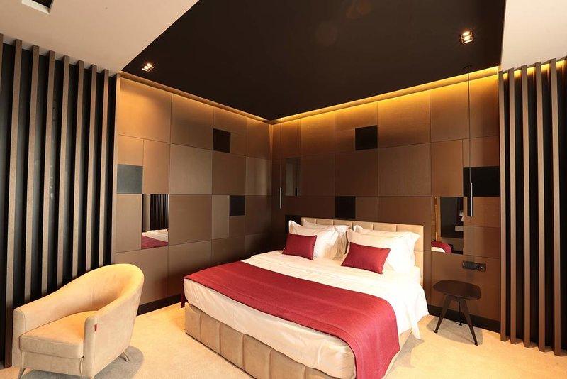 Venus Hotel - Junior Suite 2, location de vacances à Pristina