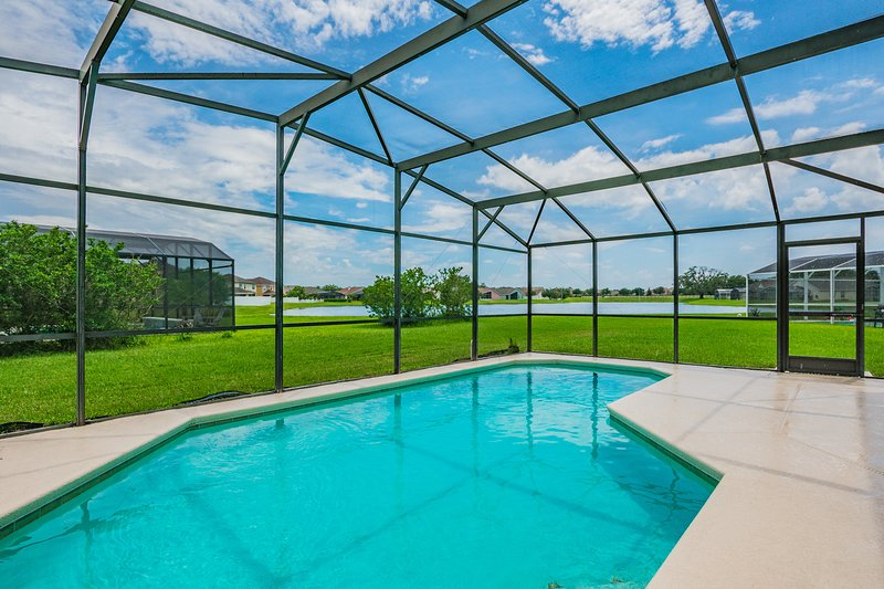 Beautiful home, lake view, south facing pool, 612, vacation rental in Saint Cloud