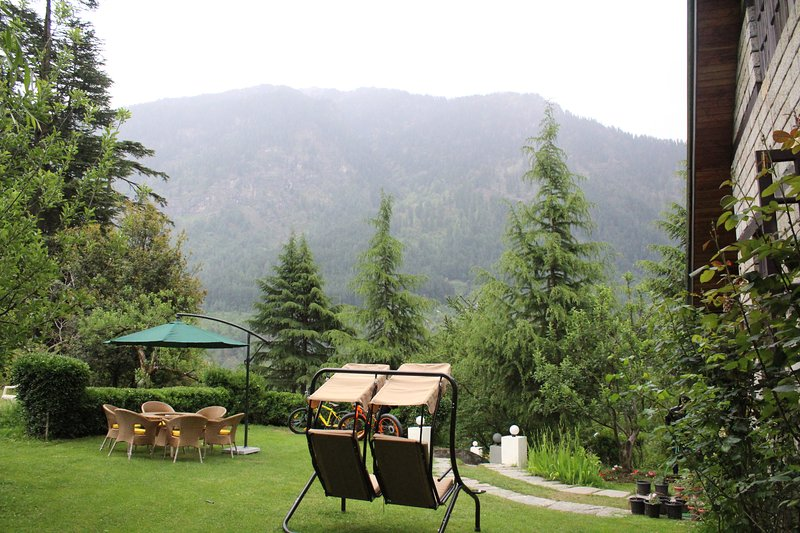 a perfect vocational house with all star facility, holiday rental in Kullu District