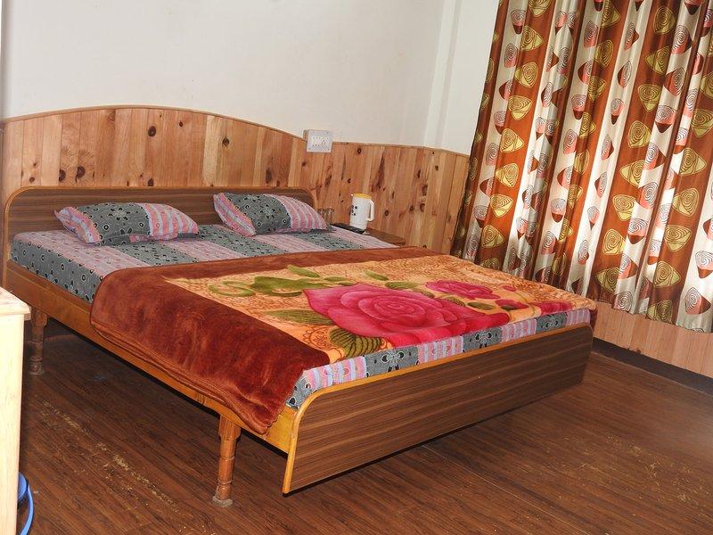 Holiday Home Barot (Single Room 1), alquiler de vacaciones en Kangra District