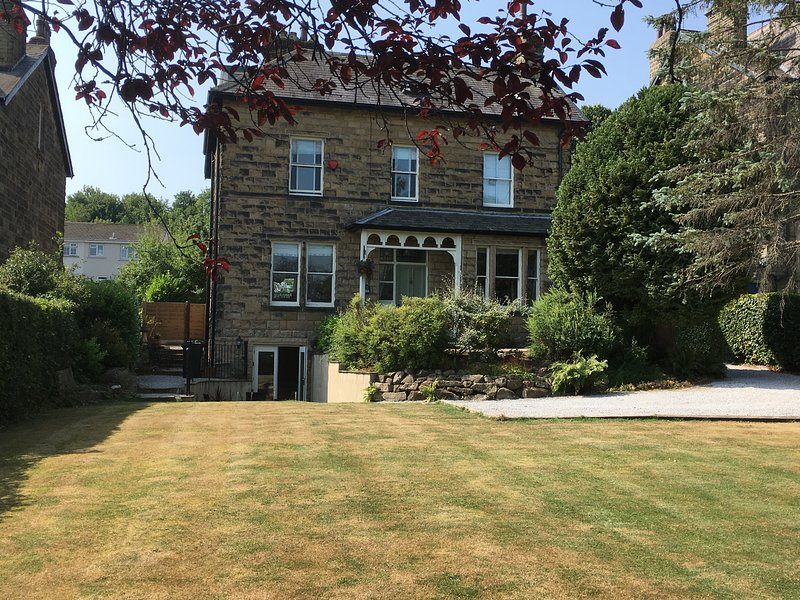 The Firs Garden Apartment, holiday rental in Guiseley