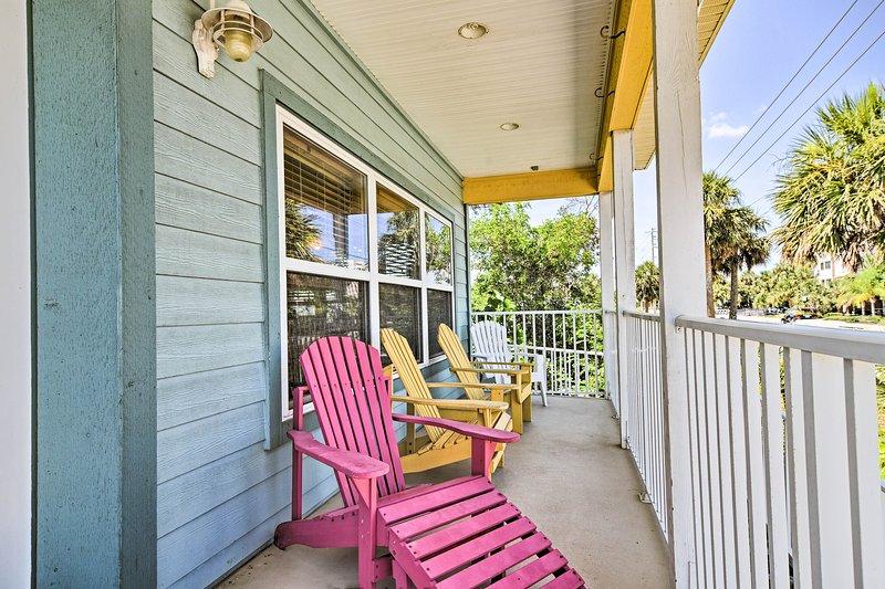 Il portico è un posto di prim'ordine per godersi il sole.