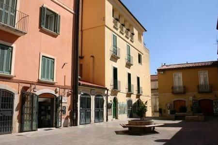 Piazza Duca della Verdura (Vieille ville non loin de l'hébergement)
