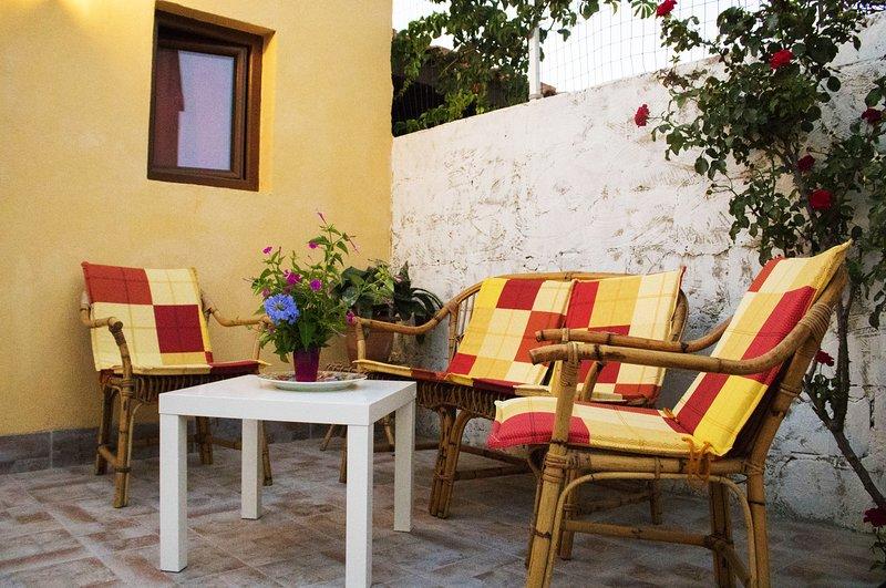 Lodge Mediterranean Sunset, vacation rental in Punta Braccetto