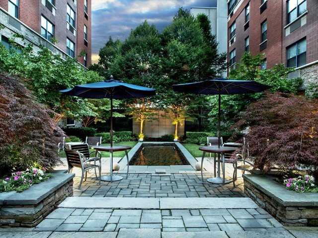 Global Luxury Suites at Monroe, vacation rental in Parsippany