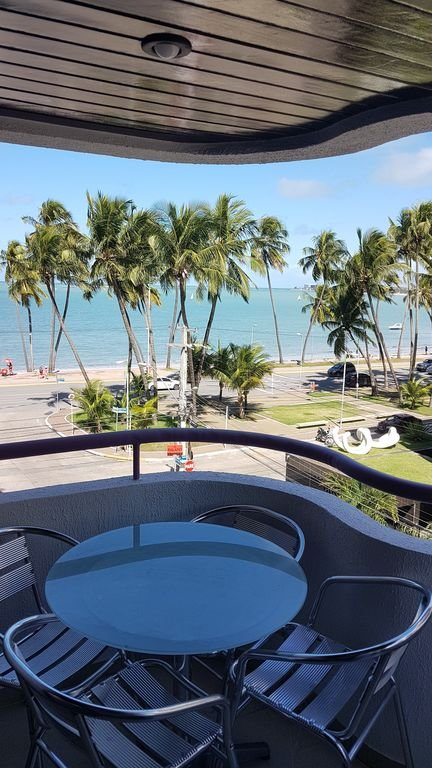 View from the balcony to the sea of Ponta Verde, Maceió / AL