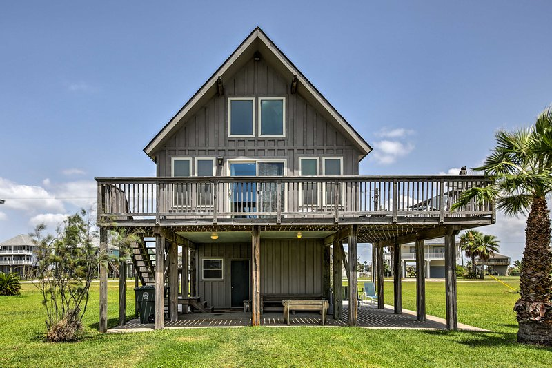 This beautiful vacation rental cabin sleeps up to 7 guests!