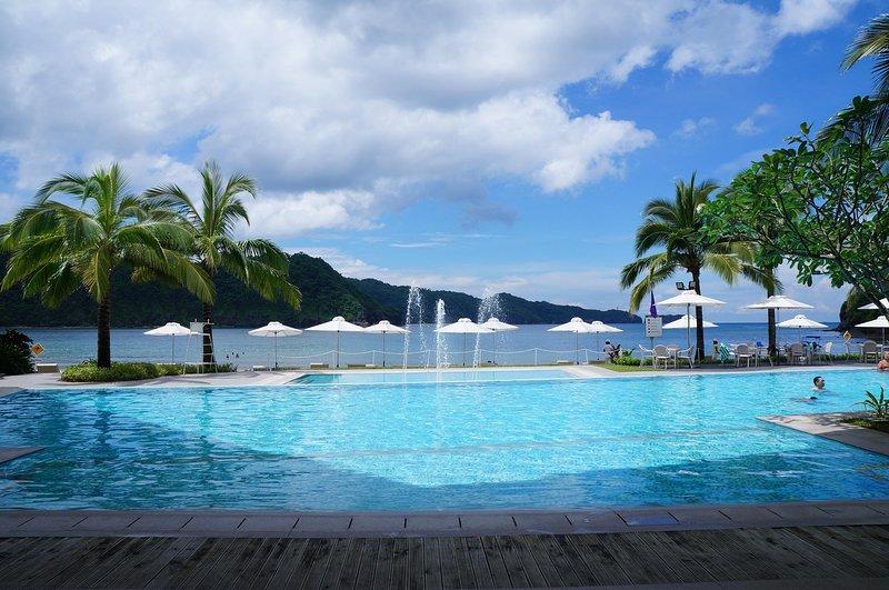 Studio Condo at Pico de Loro Cove Nasugbu for Rent, holiday rental in Lian