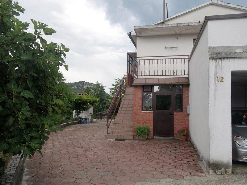 Apartment Korina & Kiara, holiday rental in Kotli