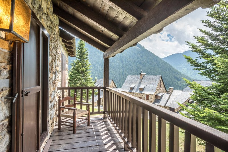Pleta Baqueira Luxe by FeelFree Rentals, vacation rental in Val d'Aran