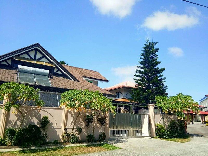 Casa Mercedes Tagaytay Vacation Home, vacation rental in Calabarzon Region