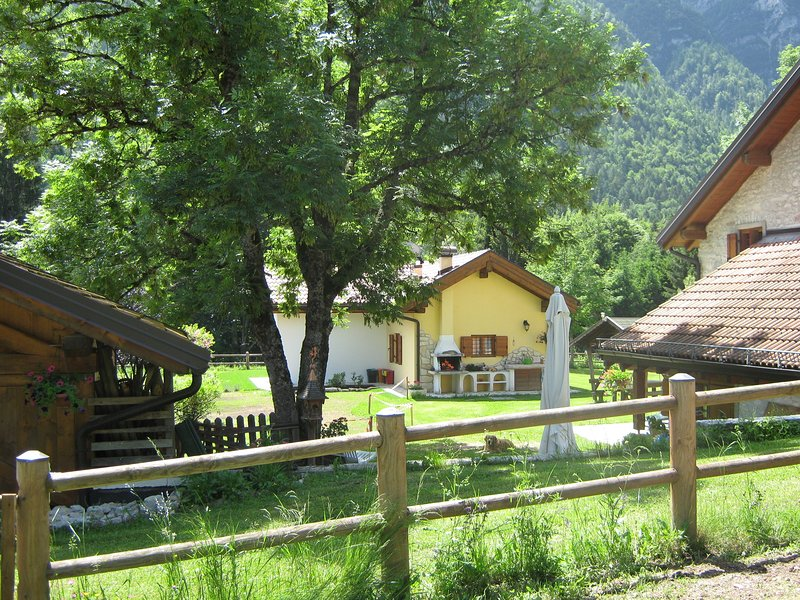 CHALET MONTAGNOLA, holiday rental in Roncegno Terme