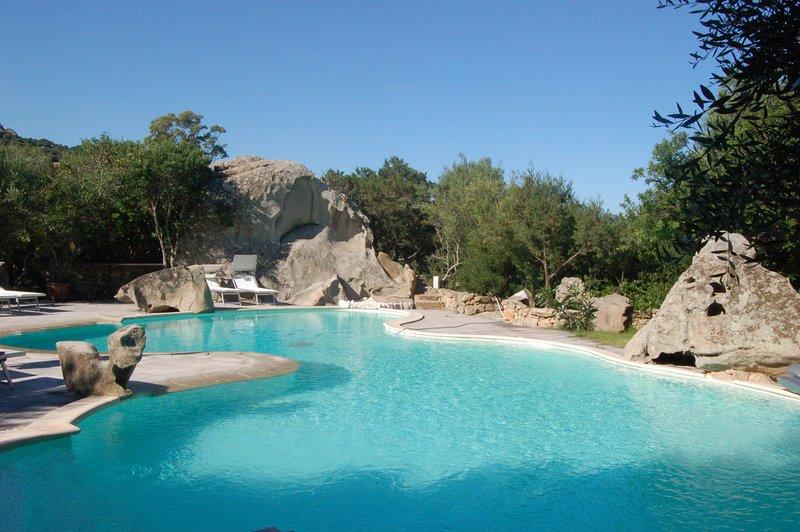 Amazing studio with shared pool, casa vacanza a Rudalza