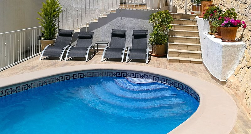Nice apartment with shared pool, holiday rental in Canor