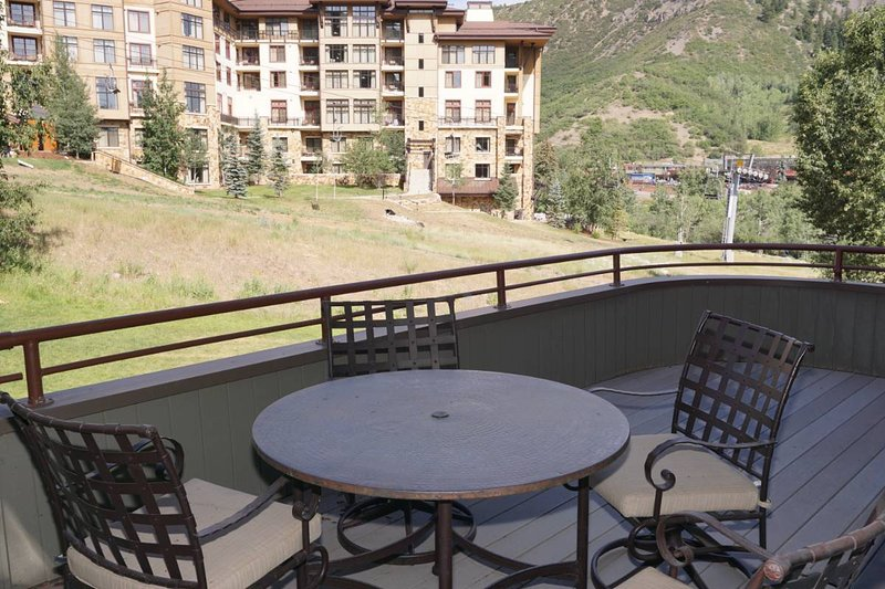 Slopeside Patio with View of Lift