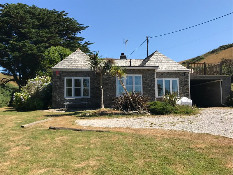 Stable Cottage, Watergate Bay , Cornwall. – semesterbostad i Carloggas