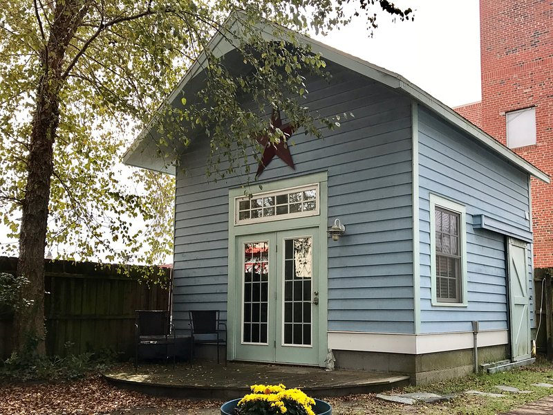 Cottage in Downtown New Bern, holiday rental in Blounts Creek