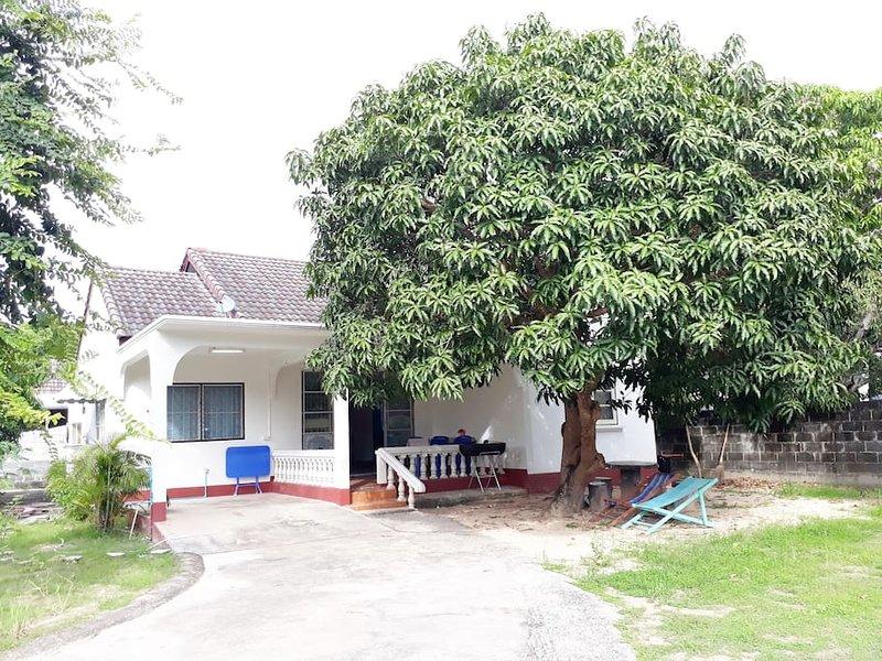 Mae Rampung Beach House N4, location de vacances à Ko Samet