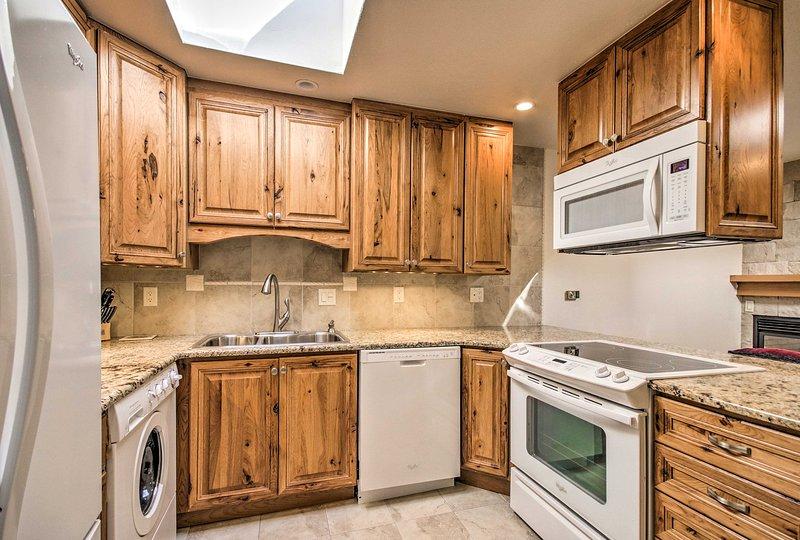 Préparez facilement toute votre cuisine préférée dans la cuisine entièrement équipée.