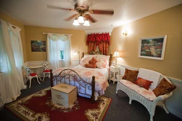 White Rock Creek (The Carolina), holiday rental in Ross