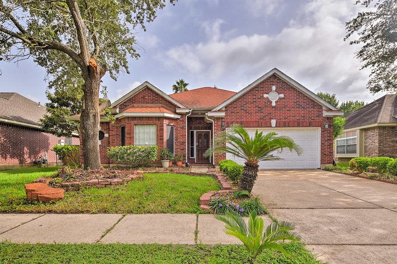 Beat the heat and stay at this Houston area vacation rental house!