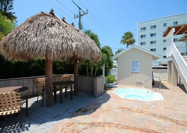 Seagrape Bay #505 Condo, vacation rental in Fort Myers Beach