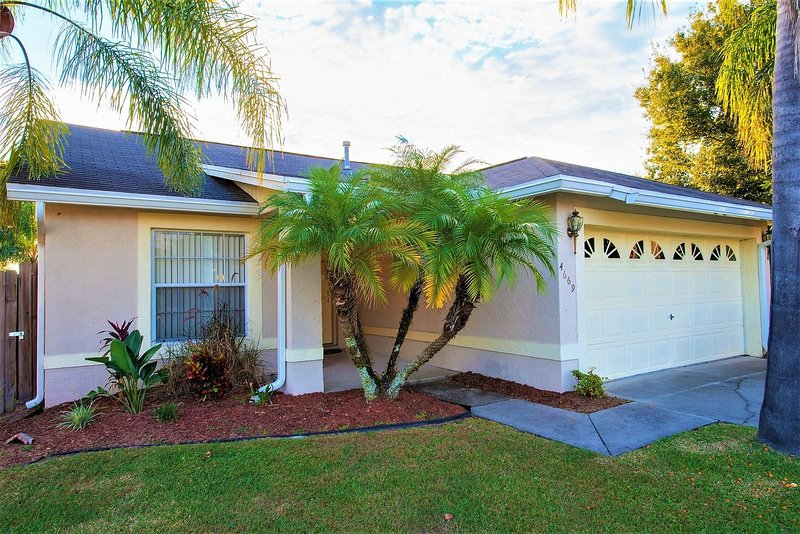 Encantadora villa de 3 dormitorios con piscina privada. Situado en la comunidad Indian Point, Kissimmee, Florida